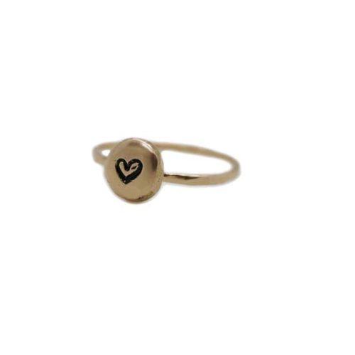 anello con iniziale oro