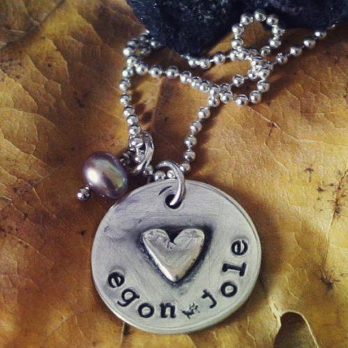 collana-argento-incisa con cuore e nome
