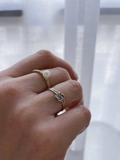 anello a nodo in oro